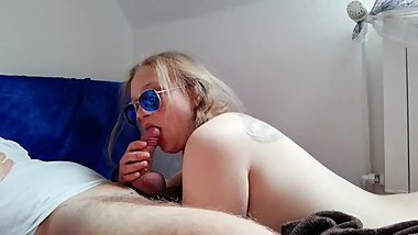 Young gf gives amazing blowjob