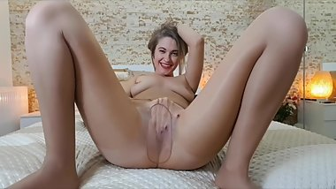 Small preview of squirting in pantyhose