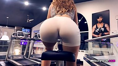 Gym Distractions - Molly Pills - POV Public Blowjob