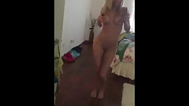 perfect tiny wife dance naked