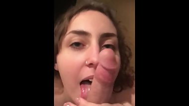 a quick blowjob for my boyfriend
