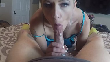 Rainbow hair Hottie works the cock till completion head sucking