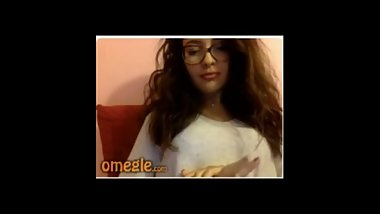 french girl flashes bra on omegle
