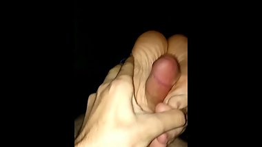 Short Footjob (no cs)