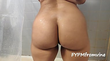 Thick Latina Teen Dances for you in the shower