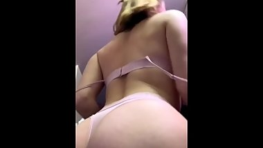 Snapchat slut Daisy sucking dildo