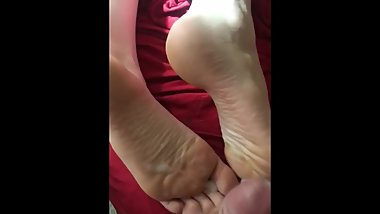 He cums all over my sleepy feet