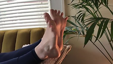 Very Cute Feet Scrunching For You Wrinkled Soles